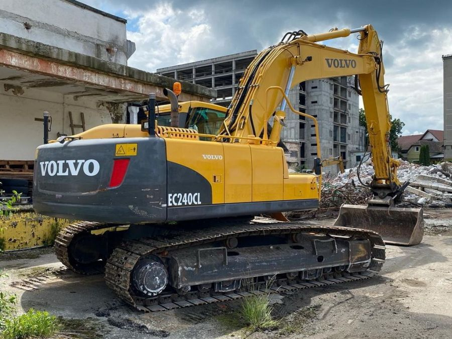 Used Excavator 2010 Volvo EC240CL for Sale - 2