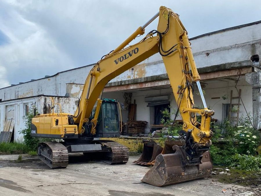 Used Excavator 2010 Volvo EC240CL for Sale - 1