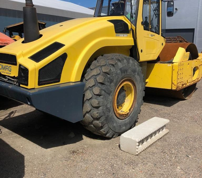 Used Roller 2009 Bomag BW226DH-4 for Sale - 1