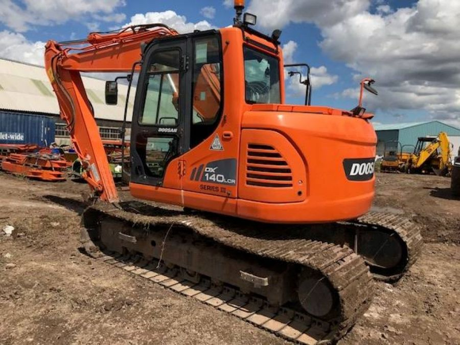 Used Excavator 2013 Doosan DX140LC for Sale - 2 - Thumbnail