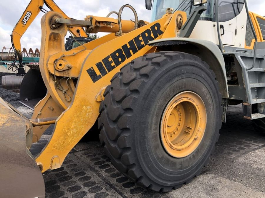 Used Wheel Loader 2008 Liebherr L 566 for Sale - 3 - Thumbnail