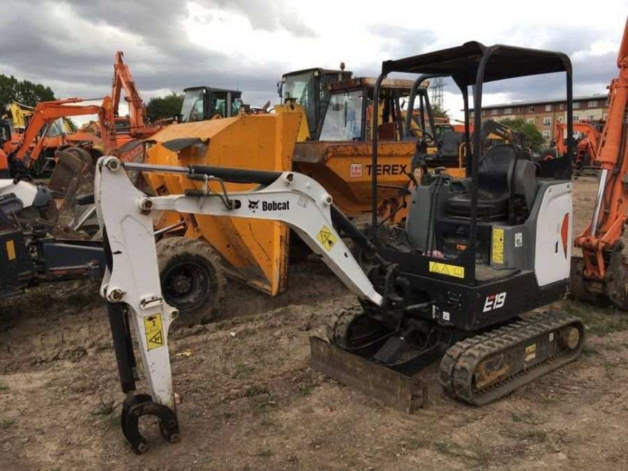 Used Excavator 2011 Bobcat E19 for Sale - 1