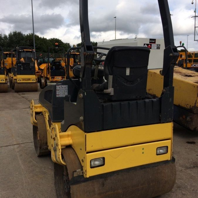 Used Roller 2012 Bomag BW120 for Sale - 2