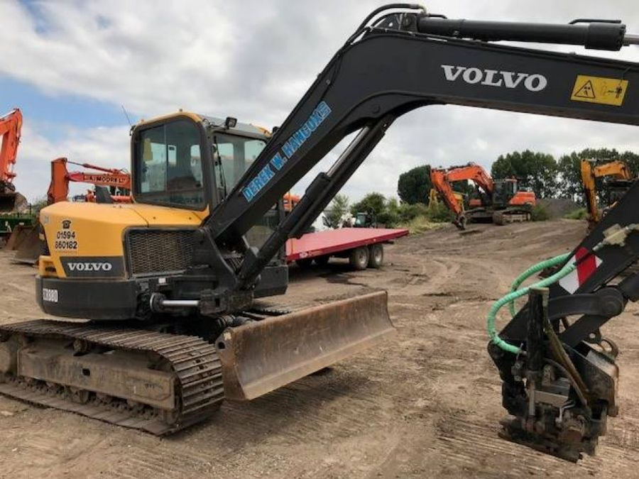 Used Excavator 2015 Volvo ECR88D for Sale - 1