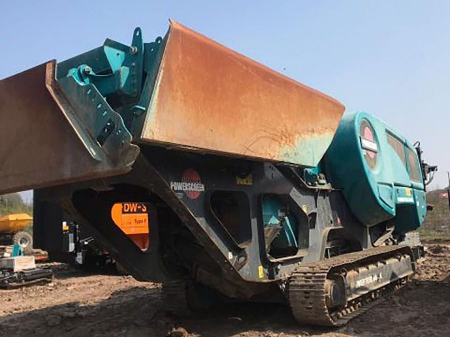 Used Crusher 2017 Powerscreen Premiertrak 400X Post Screen for Sale - 1