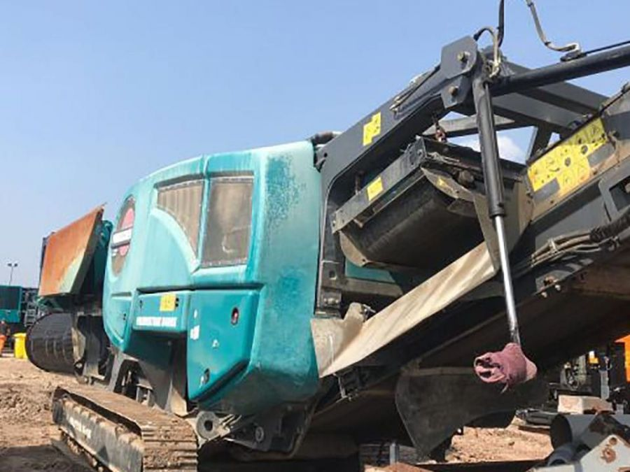 Used Crusher 2017 Powerscreen Premiertrak 400X Post Screen for Sale - 2