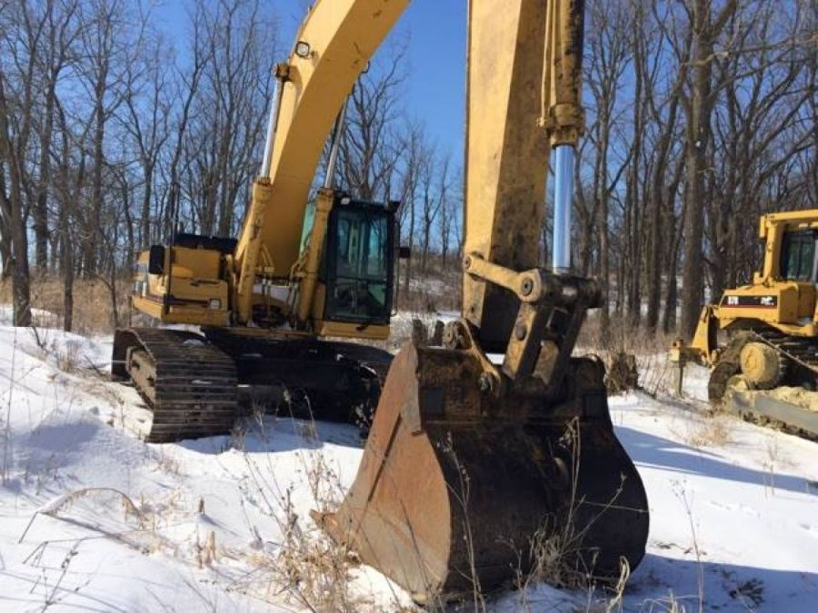 Used Excavator 2000 Caterpillar 330 for Sale - 2 - Thumbnail
