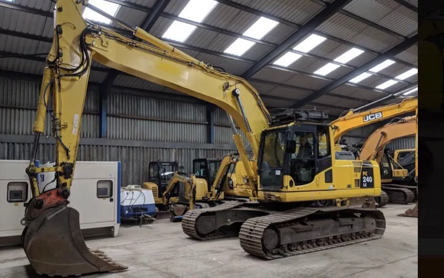 Used Excavator 2010 Komatsu PC240LC-10 for Sale - 1