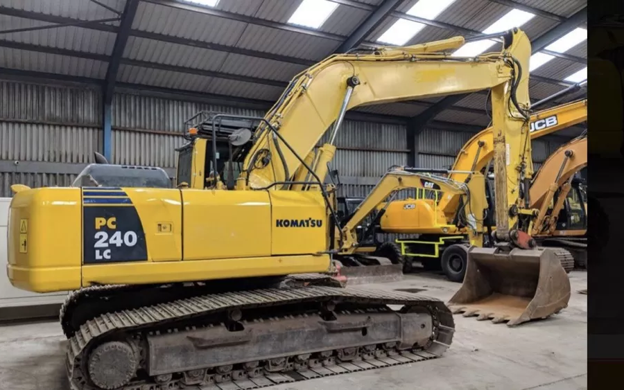 Used Excavator 2010 Komatsu PC240LC-10 for Sale - 4