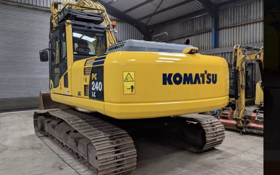 Used Excavator 2010 Komatsu PC240LC-10 for Sale - 3