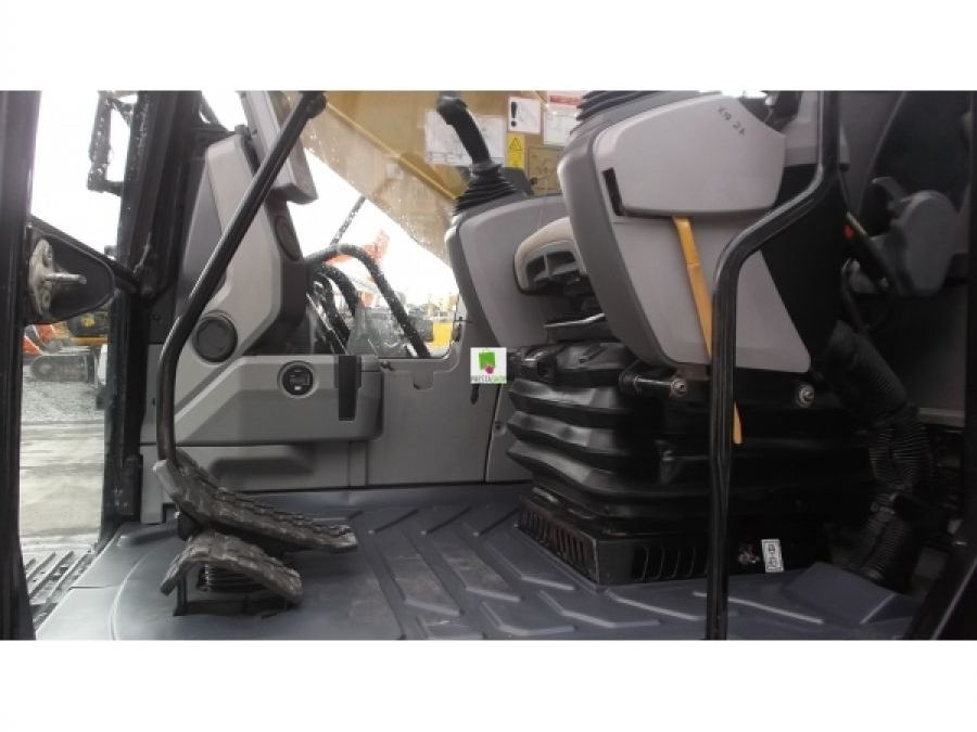 Used Excavator 2014 Caterpillar 320 for Sale - 3 - Thumbnail