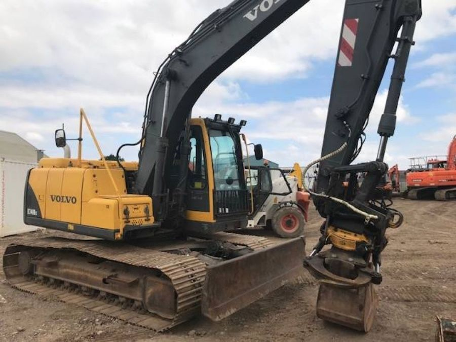 Used Excavator 2003 Volvo EC140B for Sale - 3