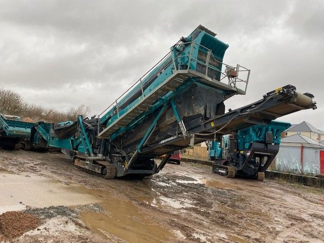 Used Screener 2015 Powerscreen Chieftain 2200 3 Deck for Sale - 2