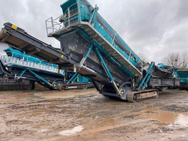 Used Screener 2015 Powerscreen Chieftain 2200 3 Deck for Sale - 1