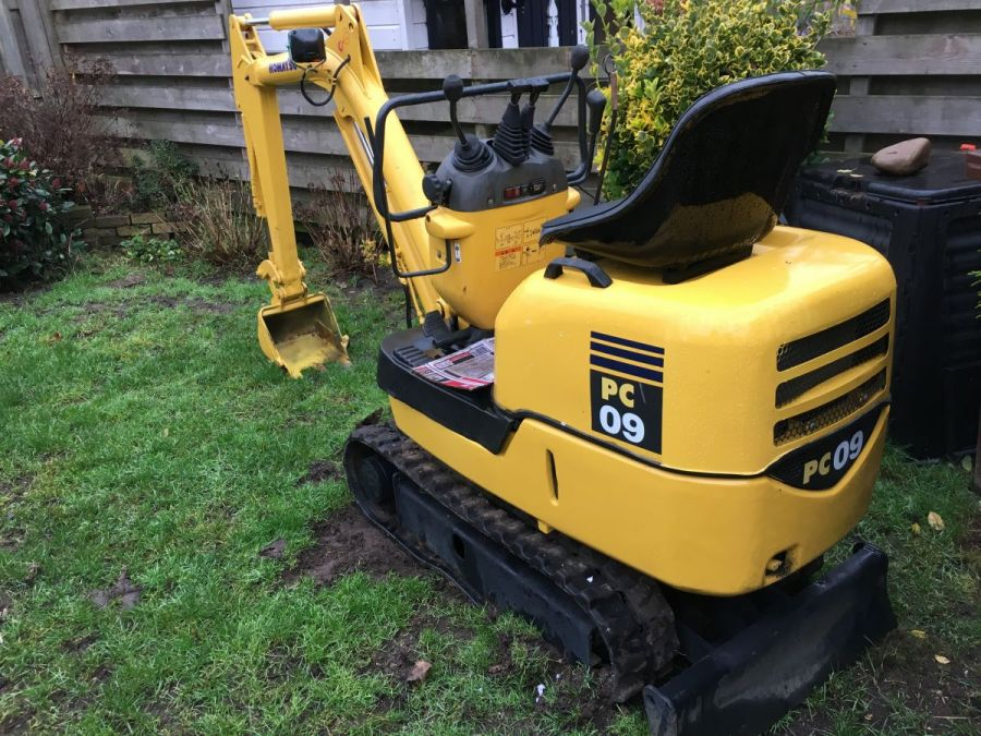 Used Excavator 2004 Komatsu PC09-1 for Sale - 1