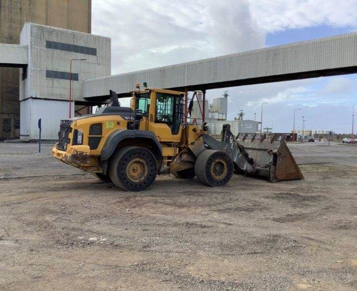 Used Wheel Loader 2015 Volvo L110H for Sale - 5 - Thumbnail