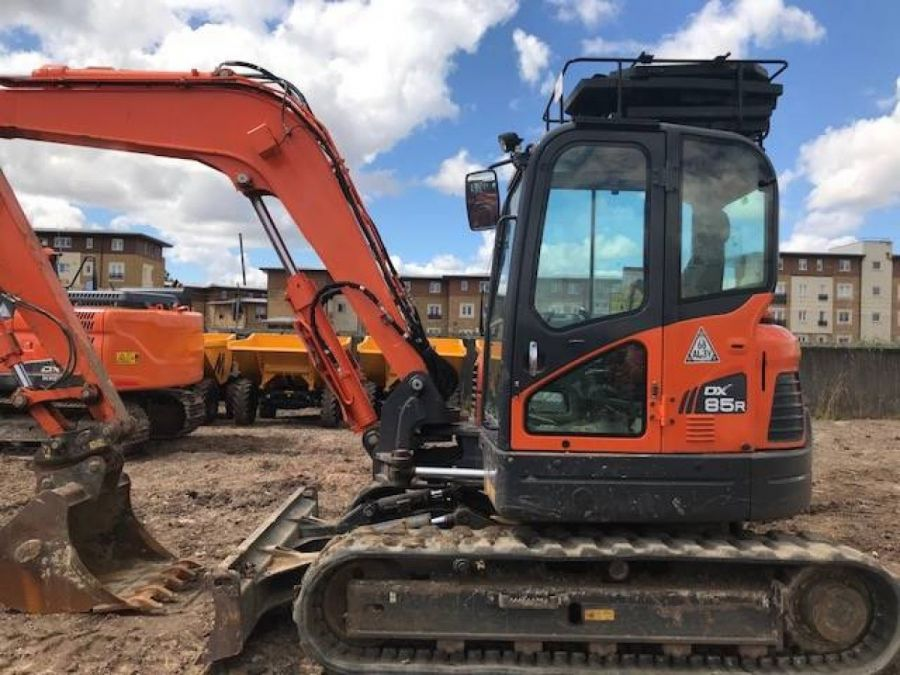 Used Excavator 2015 Doosan DX85R for Sale - 1