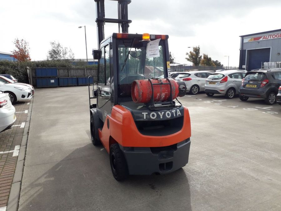 Used Forklift 2015 Toyota Tonero 3t for Sale - 2