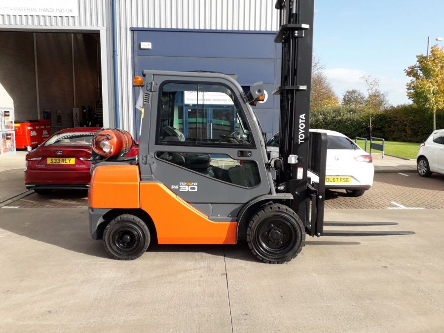 Used Forklift 2015 Toyota Tonero 3t for Sale - 4