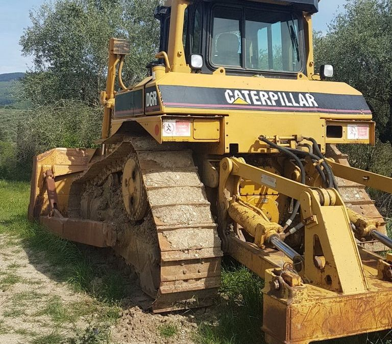Used Dozer 1998 Caterpillar D6R for Sale - 1
