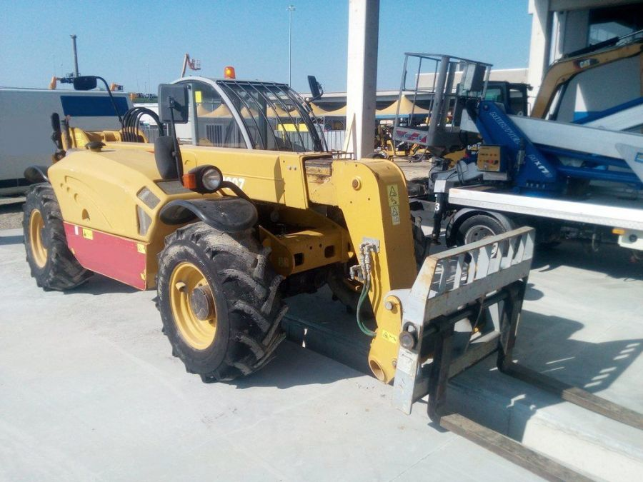 Used Telescopic Handler 2013 GENIE GTH3007 for Sale - 1