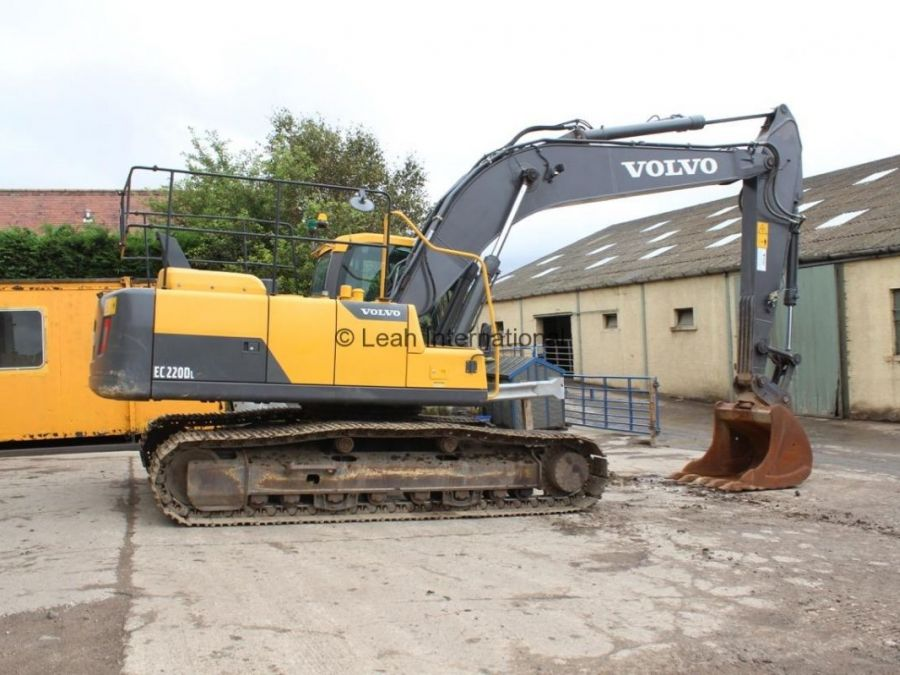 Used Excavator 2014 Volvo EC220D for Sale - 2