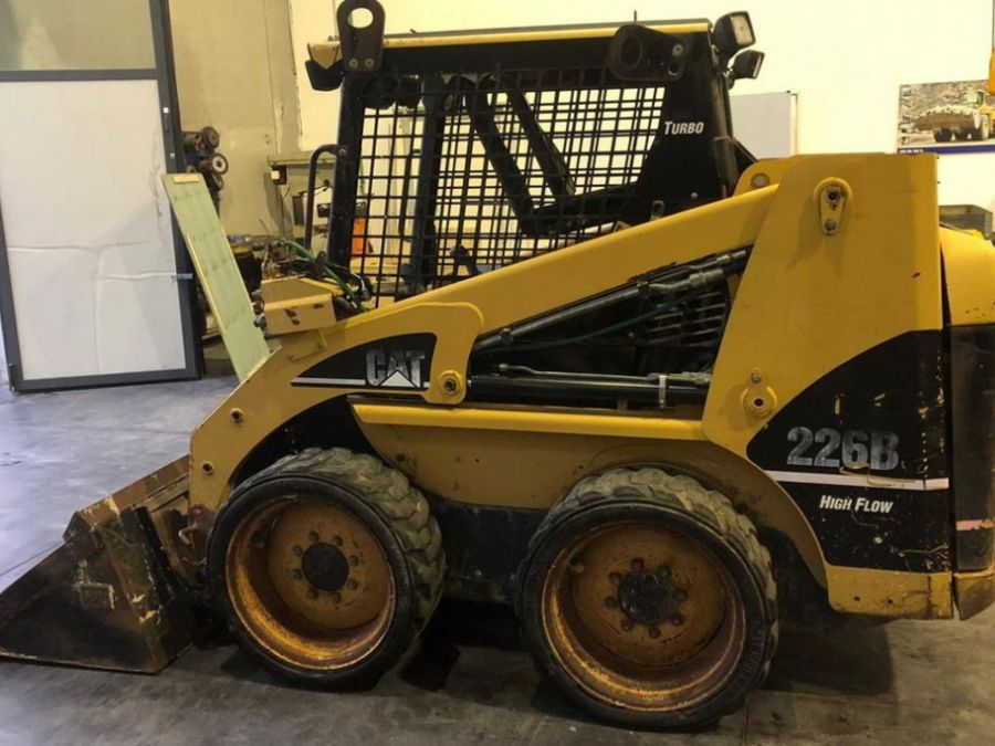 Used Skid Steer 2004 Caterpillar 226B for Sale - 1