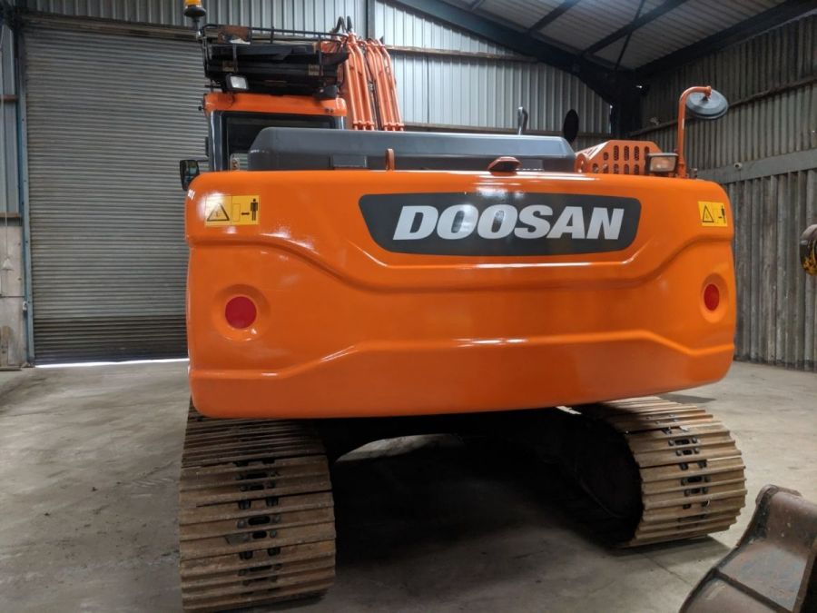 Used Excavator 2014 Doosan DX225LC for Sale - 3 - Thumbnail