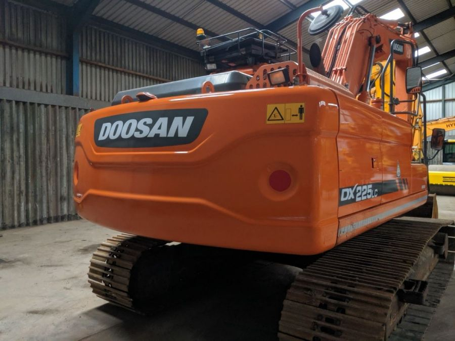 Used Excavator 2014 Doosan DX225LC for Sale - 5 - Thumbnail